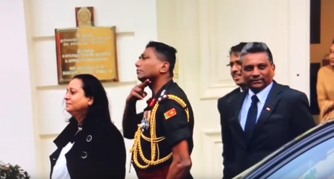 இலண்டனிலும் கொலைமிரட்டல் விடுத்த இலங்கை இராணுவ அதிகாரி ! (VIDEO)