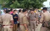 குற்றவாளியை பிடிக்க சென்ற பொலிஸார் மீது துப்பாக்கிச் சூடு!! -8 பேர் காயம்-