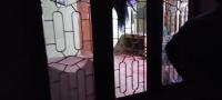 யாழ்.நகரில் உள்ள வீடொன்றின் மீது தாக்குதல்..! பாதிக்கப்பட்ட வீட்டை யாழ்.மாநகர முதல்வர் நேரில் பார்வையிட்டார்..