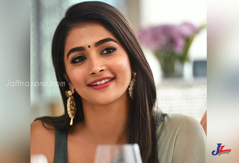 5 கோடி கேட்கும் பூஜா ஹெக்டே!!