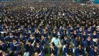 முககவசம், சமூக இடைவெளி இன்றி பட்டமளிப்பு விழா!! -உகானில் ஒன்று கூடிய 11,000 மாணவர்கள்-