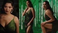 திடீரென கவர்ச்சிக்கு மாறிய ரித்திகா சிங்!! -தீயாக பரவும் புகைப்படங்கள்-